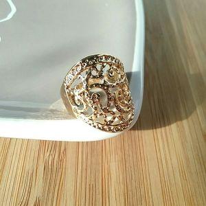 Irregular Shaped Metal Cutout Gold Tone Ring